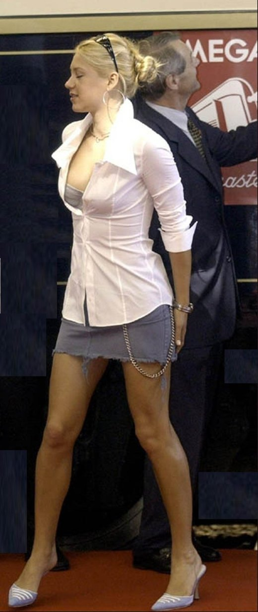 BartCop's TV Hotties -... Anna Kournikova Today