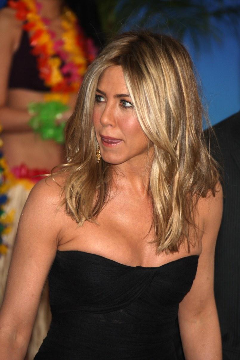 BartCop's TV Hotties - Jennifer Aniston - Page 379