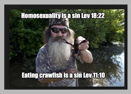 Picture of Duck Dynasty Patriarch holding a crawfish: