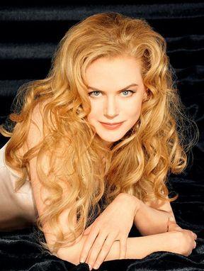 الممثلة الاسترالية كيدمان ترفض بيع صورة ابنتها بالملايين كما فعلت جولي ....TARkAN T