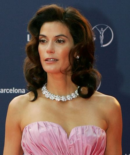 Teri Hatcher - Enter